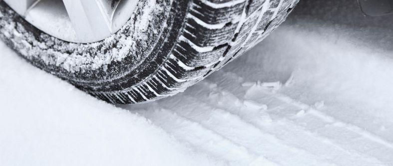 Découvrez comment choisir ses pneus d'hiver en 9 étapes clés!